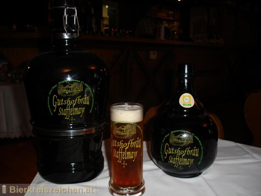Foto eines Bieres der Marke Hausbier aus der Brauerei Gutshofschenke Staffelmayr