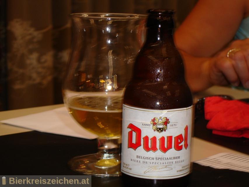 Foto eines Bieres der Marke Duvel aus der Brauerei Brouwerij Duvel Moortgat