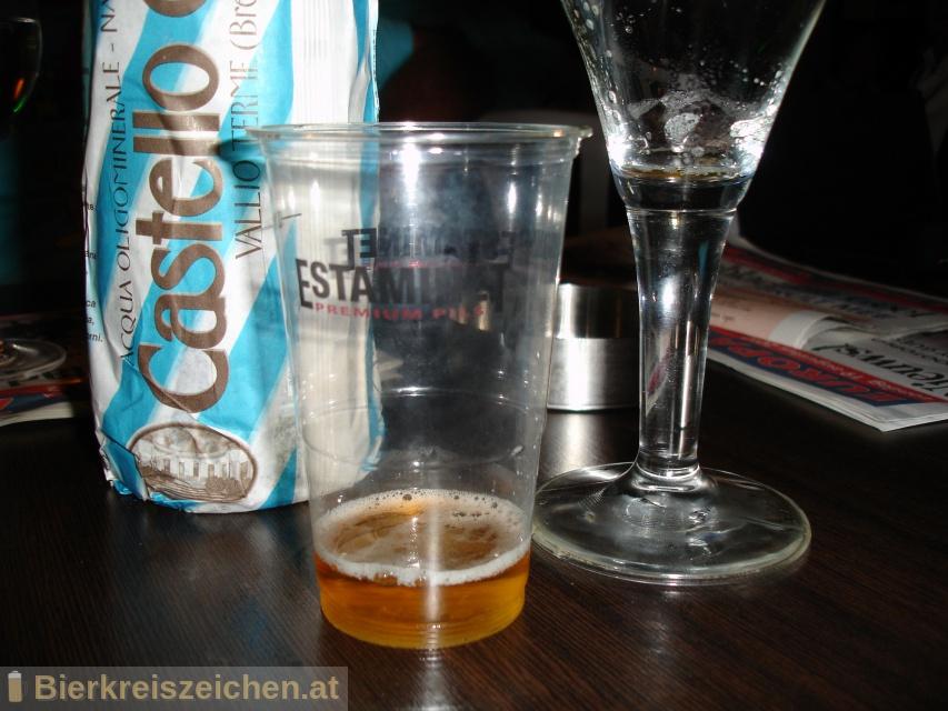 Foto eines Bieres der Marke Estaminet Premium Pils aus der Brauerei PALM Breweries
