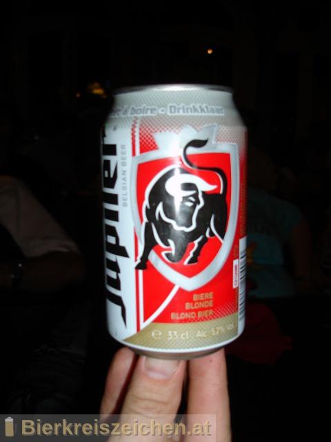 Foto eines Bieres der Marke Jupiler aus der Brauerei Brasserie Piedboeuf