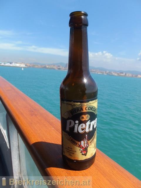 Foto eines Bieres der Marke Pietra aus der Brauerei Brasserie Pietra