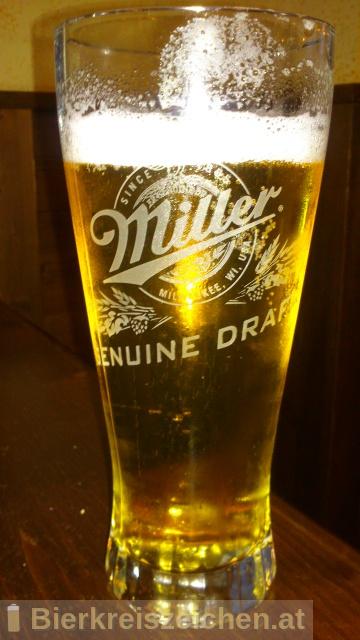 Foto eines Bieres der Marke Miller Light aus der Brauerei Miller Brewing Company