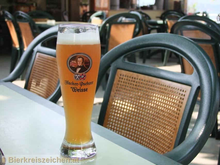 Foto eines Bieres der Marke Hacker Pschorr Hefe Weisse aus der Brauerei Hacker-Pschorr