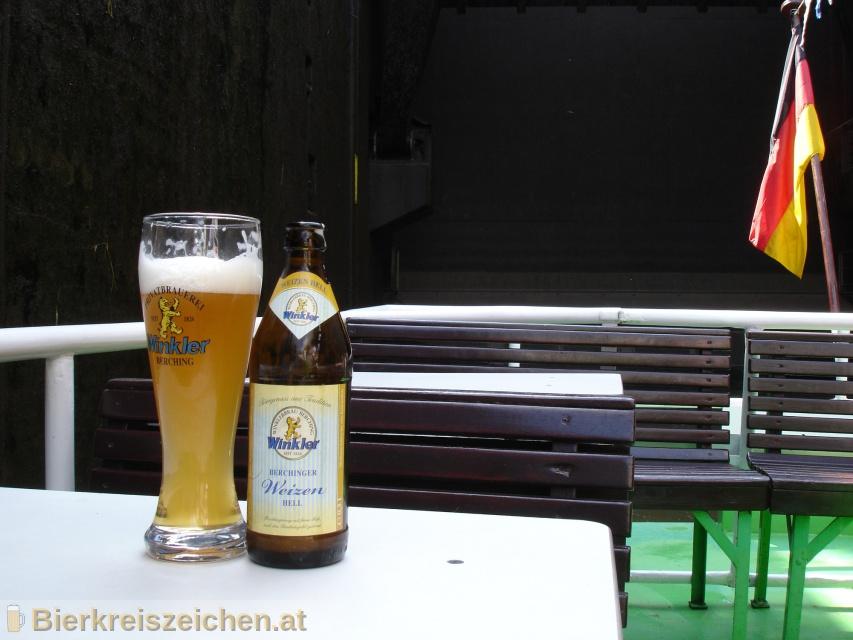 Foto eines Bieres der Marke Berchinger Weizen Hell aus der Brauerei Privatbrauerei Winkler Berching