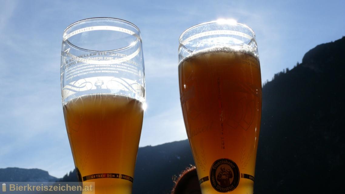 Foto eines Bieres der Marke Franziskaner Weissbier Kristallklar aus der Brauerei Spaten-Franziskaner-Bräu