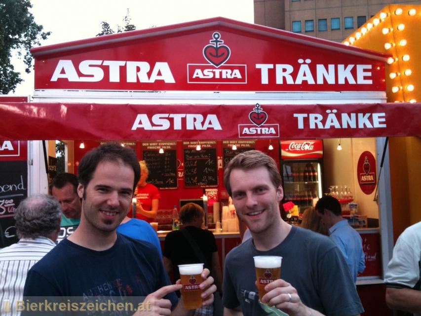 Foto eines Bieres der Marke Astra Urtyp aus der Brauerei Holsten-Brauerei