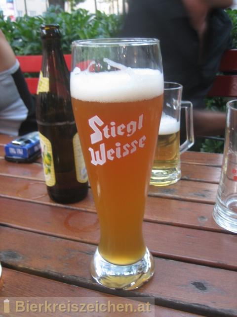 Foto eines Bieres der Marke Stiegl Weisse - Naturtrüb aus der Brauerei Stieglbrauerei