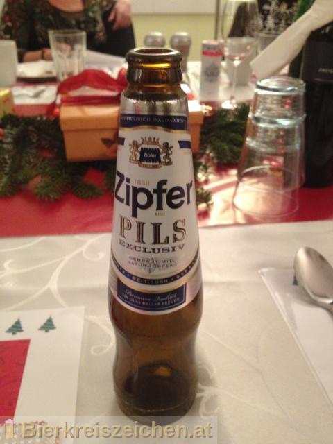 Foto eines Bieres der Marke Zipfer Pils Exclusiv aus der Brauerei Brauerei Zipf