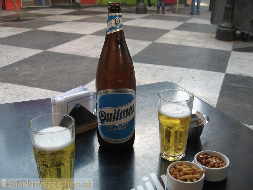 Foto eines Bieres der Marke Quilmes Cristal aus der Brauerei Cervecería y Maltería Quilmes